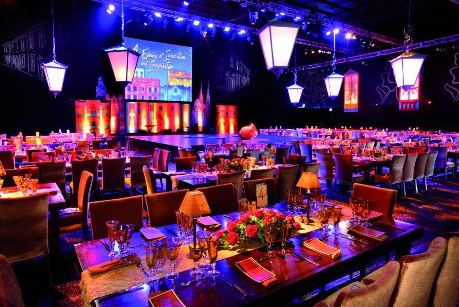 Over Betoled - LED scherm dineren